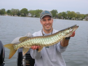 Dave Dawson with May 2008 Milwaukee Chapter outing muskie